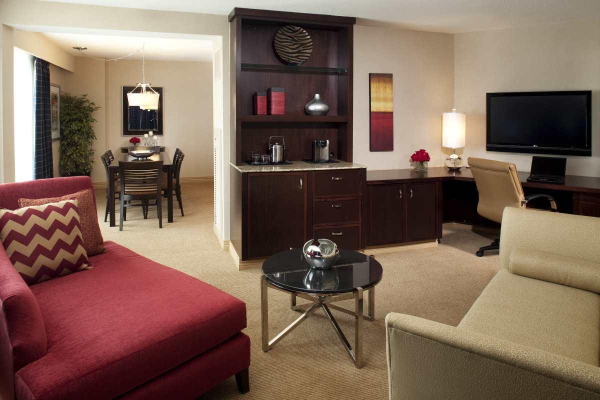 Luxury Suite King Bed